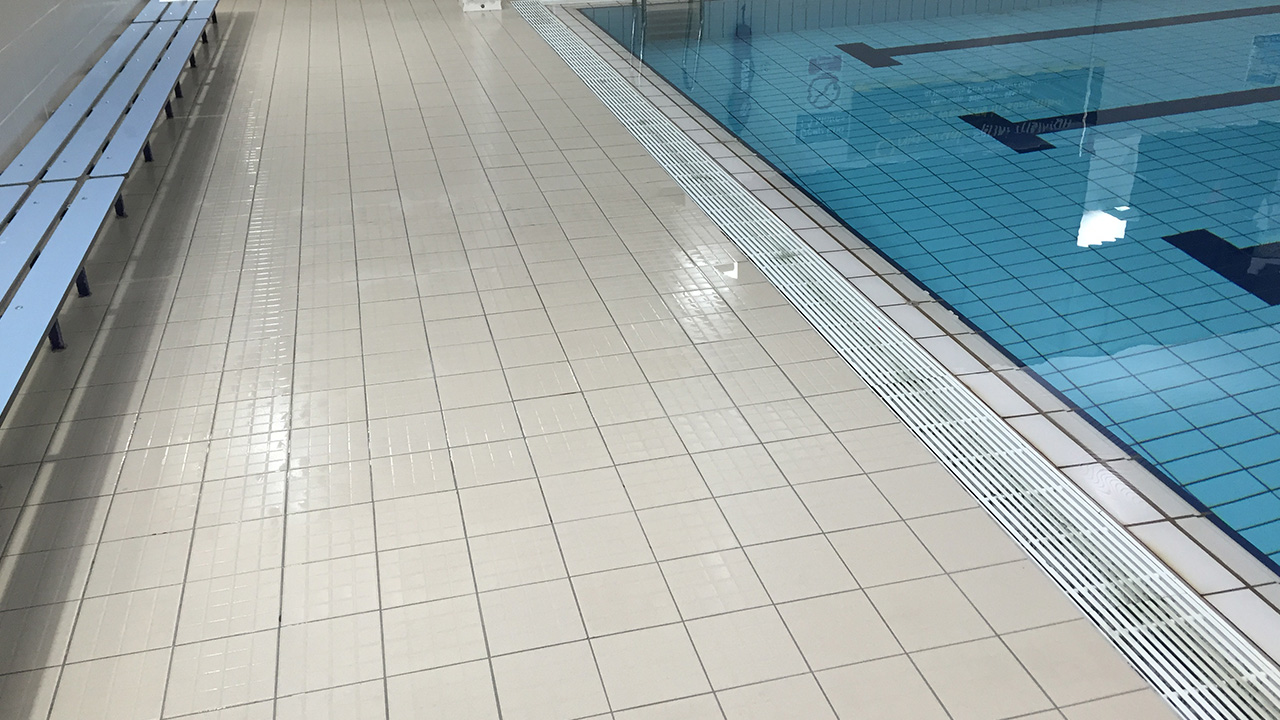 Poolside Deep Clean, Renue UK