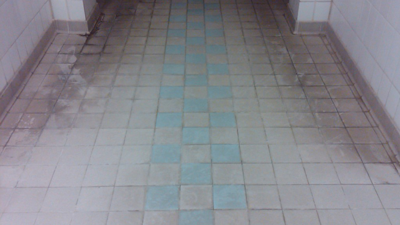 Changing Area Deep Clean At Parkside Pools Cambridge