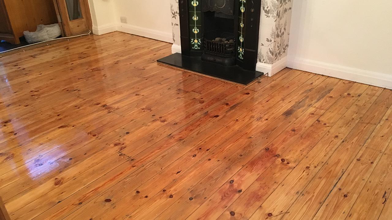 Wood floor restoration caterham renue uk specialist for Wood floor refurbishment